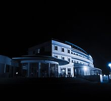 Blue Hotel by beanphoto