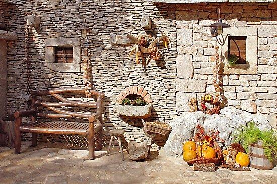 Traditional Dalmatian wall by Arie Koene