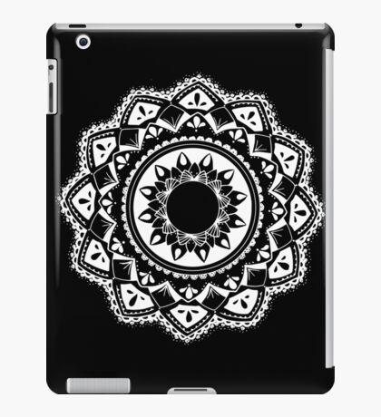 Cellular black and white mandala iPad Case/Skin