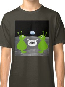 Earth rising impressing Frank and Ingrid Classic T-Shirt