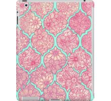 Moroccan Floral Lattice Arrangement - pink iPad Case/Skin