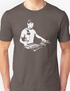 DJ Spock mixing on the decks (star trek) Unisex T-Shirt
