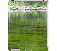 Green n Grassy iPad Case/Skin