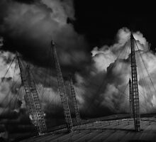 Moody O2 Millenium Dome by jamesdt
