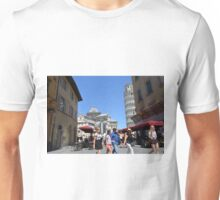 8 August 2016 Turists in The Piazza dei Miracoli (Piazza del Duomo) is located in the city of Pisa, Toscany, Italy.  Unisex T-Shirt