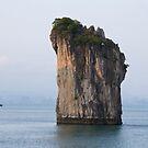 Halong Bay by byronbackyard