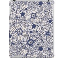 Seamless texture with blue flowers iPad Case/Skin