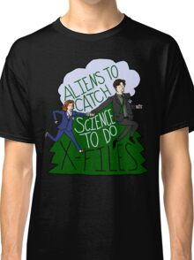 Aliens To Catch, Science To Do Classic T-Shirt