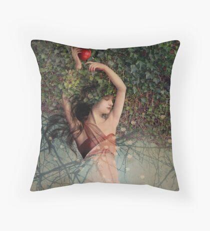 Snow White (Schneewittchen) Throw Pillow