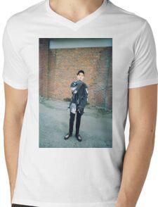DEAN/DΞΔN TRBL  Mens V-Neck T-Shirt