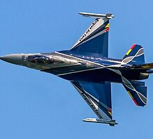 Belgian F-16AM 2012 demonstrator FA-84 rolling by Colin Smedley