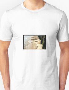 Old Man Thames doth wash my art away.... T-Shirt