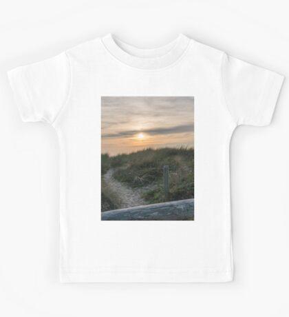 Pastel sunset in the dunes Kids Tee