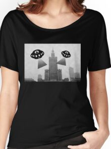 Aliens attack Warsaw Women's Relaxed Fit T-Shirt