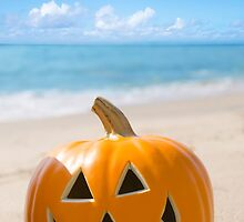 Halloween pumpkin on the beach by ellensmile