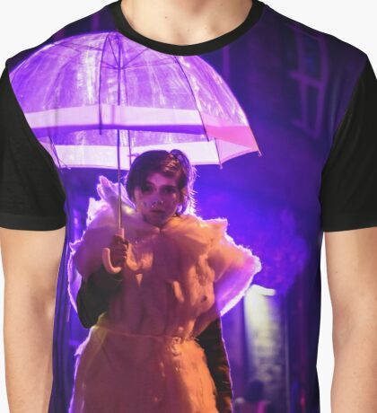 lady with the umbrella Graphic T-Shirt