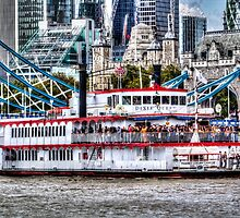 The Dixie Queen Paddle Steamer by DavidHornchurch