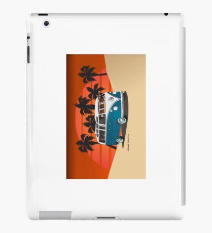 21 Window VW Bus Tuerkis in Desert Side iPad Case/Skin