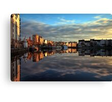 45 Second Long Exposure of the Sunset over the Shore, Edinburgh Canvas Print