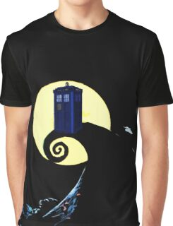 Tardis beauty in full moon Graphic T-Shirt