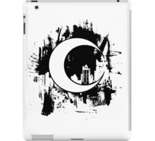 Moon Knight city-scape Black iPad Case/Skin