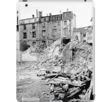 Paris 1975 a forgotten past and now destroyed  Olao-Olavia by Okaio Créations   n4 (h) iPad Case/Skin
