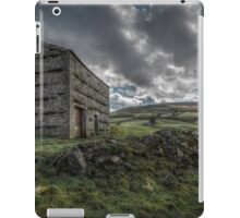 Yorkshire Dales Farm Barn iPad Case/Skin