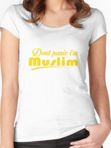 Dont Panic Im Muslim Women's Fitted Scoop T-Shirt