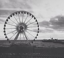 Black and White Brighton Wheel by lolohannah