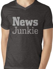 News Journalism Press Media Junkie Shirt Gift Mens V-Neck T-Shirt