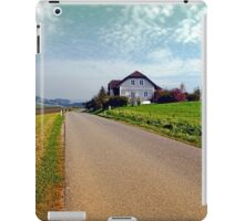 Country road into vibrant scenery | landscape photography iPad Case/Skin