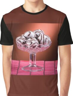 Gingerbread cookies with icing of chocolate Graphic T-Shirt