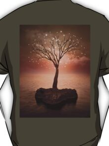 The Strong Grows In Solitude (Tree of Solitude) T-Shirt