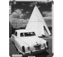 Route 66 Wigwam Motel and Classic Car iPad Case/Skin