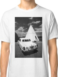 Route 66 Wigwam Motel and Classic Car Classic T-Shirt