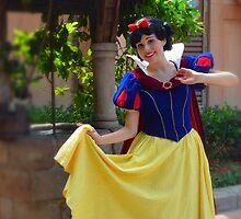 Snow White by AngelaHRey