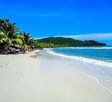 Phu Quoc beach in Vietnam by Luke Farmer