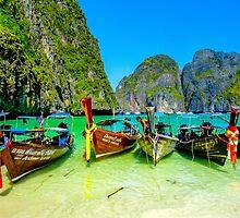 The beach, Koh Phi Phi, Thailand by Luke Farmer