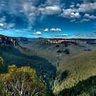 Grose Valley panorama, Blue Mountains by Erik Schlogl