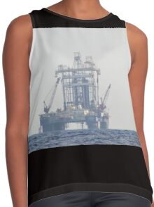 Oil Rig At Sea Contrast Tank