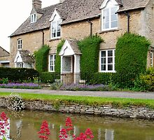 Cottage in the Cotswolds, UK by GeorgeOne