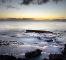 Sunset in Oahu by randymir