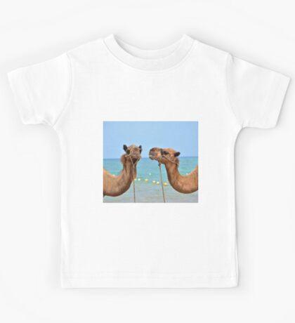Beach camels Kids Tee