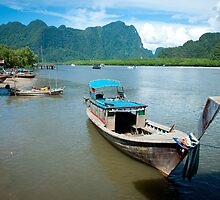 Long Boat by GRACE COSTA