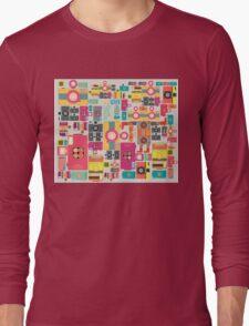 VIntage camera pattern wallpaper design Long Sleeve T-Shirt