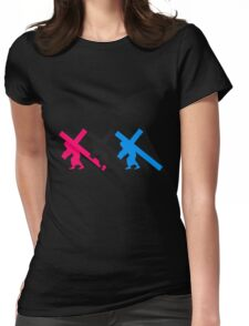 3 verurteilte team cool design kreuz tragen kreuzigung schleppen schwer last jesus gott verurteilt logo design  Womens Fitted T-Shirt