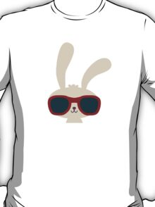 Cute easter bunny with sunglasses T-Shirt