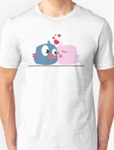 Two cartoon birds kissing Unisex T-Shirt