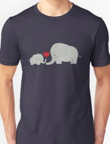 Baby and parent elephant with heart Unisex T-Shirt