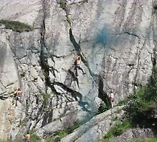 sempre piu' difficile.....arrampicarsi !!!! Monte rosa - by Guendalyn